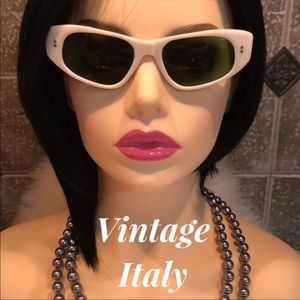 Vintage ⭐️ Made in Italy CatEye Sunglasses white
